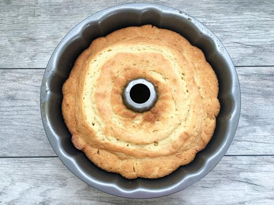 homemade-moist-yellow-cake-5