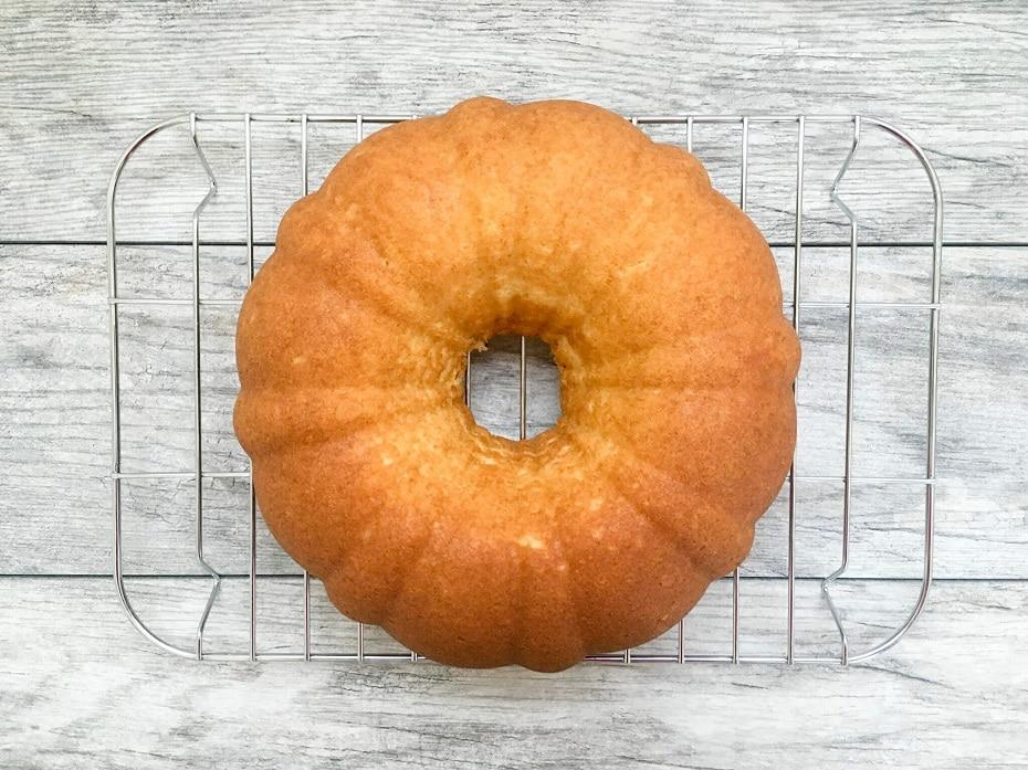 homemade-moist-yellow-cake-6