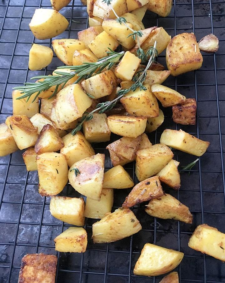 oven-roasted-potatoes-2-720