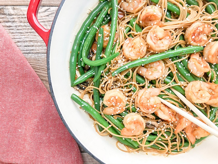 prawn-stir-fry-with-noodles-1-720