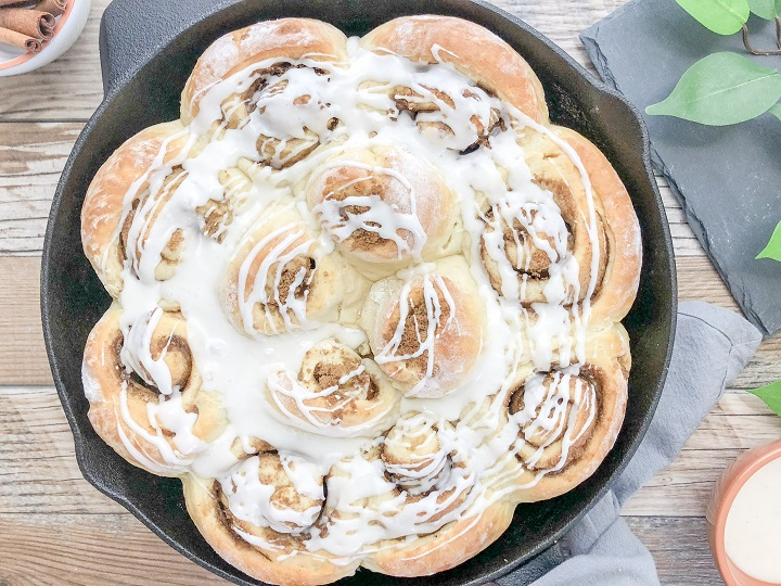 easy-homemade-cinnamon-rolls-14-720