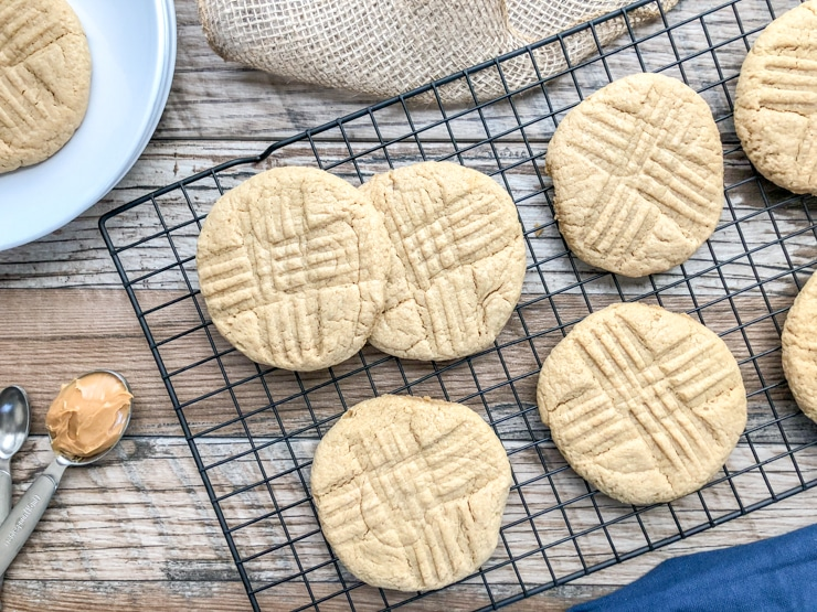 soft-and-chewy-peanut-butter-cookies-11