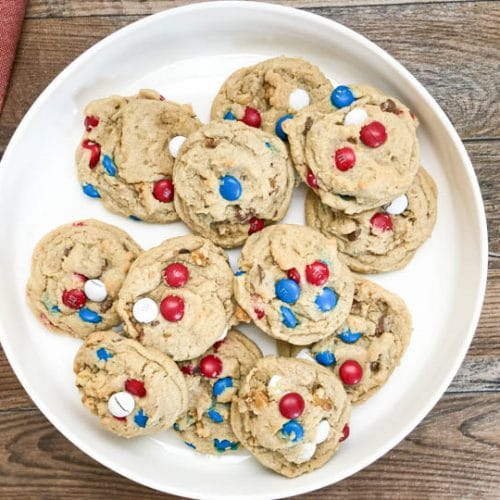 mm cookies on white round plate